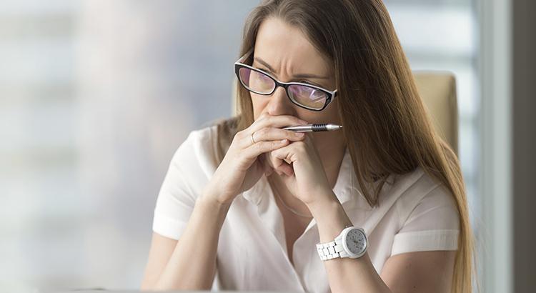 Read more about the article Síndrome da Impostora: como aumentar a confiança nos negócios?