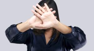 Read more about the article Violência contra a mulher: por que ela ainda acontece, quais os tipos e como denunciar?